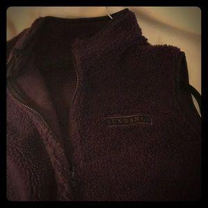 Purple vest zip front 2 lg pockets